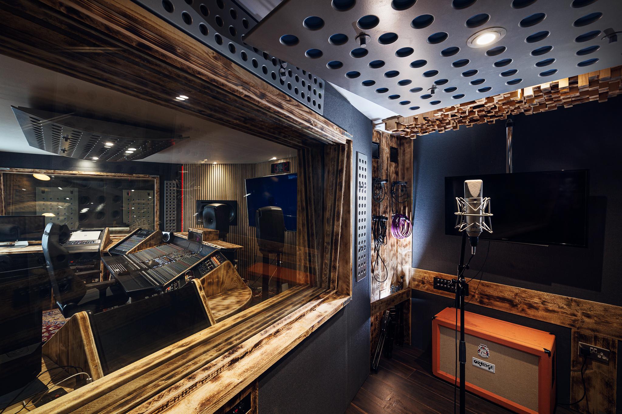 Cube Studio B